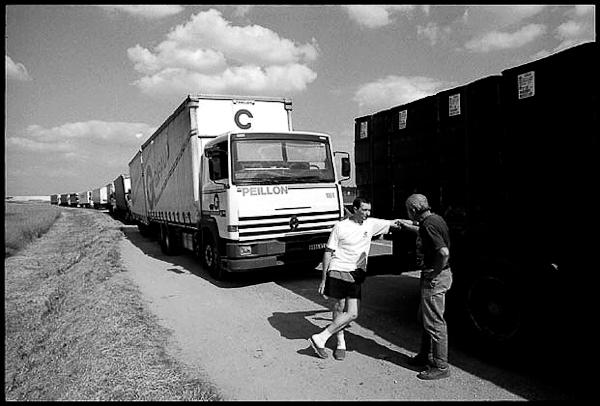 © Sacha Lenormand Paris Etampes 55 kilomètres de voie, 1999
