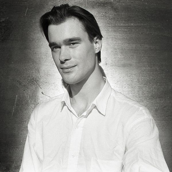 Guillaume Perrot, Comédien Dramaturge. 1971-2006