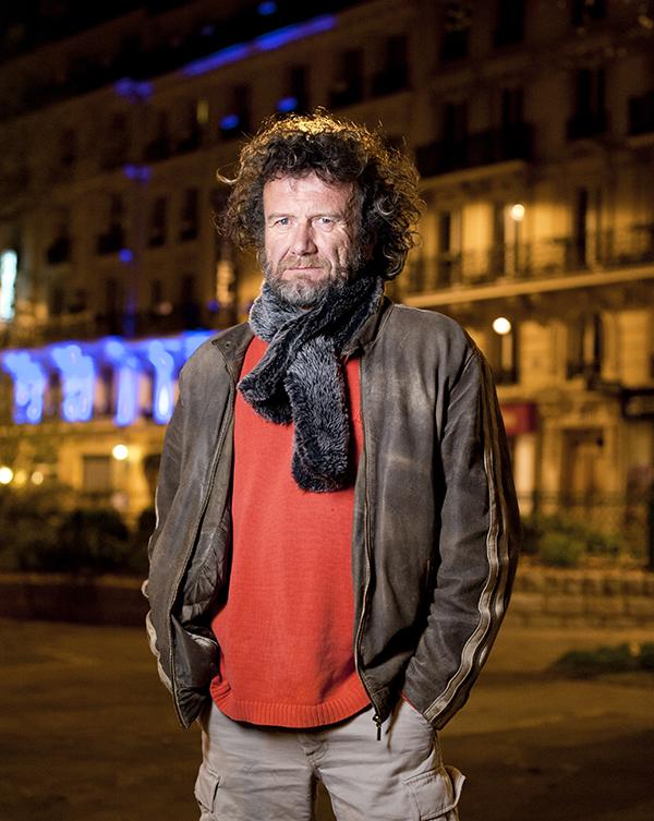 Portrait d'Eric Garnier, écrivain. Photographie : © Sacha Lenormand